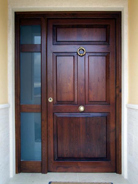 Puertas exteriores de madera para la casa americana dj for Modelos de puertas exteriores para casas